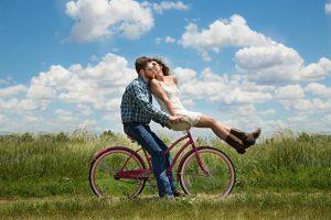 heureux-en-couple-langage-amour-annecy